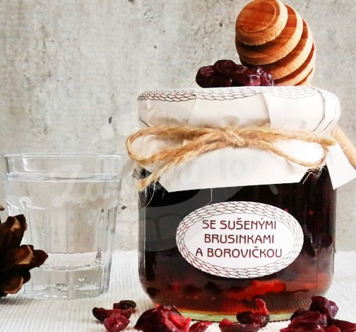 Medová chuťovka se sušenými brusinkami a borovičkou 230g