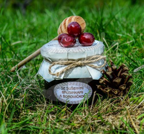 Medová chuťovka se sušenými brusinkami a borovičkou 230g - Antonín Škoda