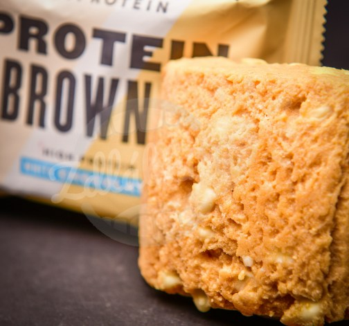 Protein Brownie Bila Cokolada.jpg