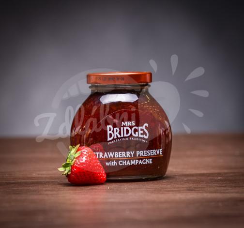 Jahodovy dzem se sampanskym Mrs. Bridges.jpg