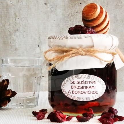 Medová chuťovka se sušenými brusinkami a borovičkou