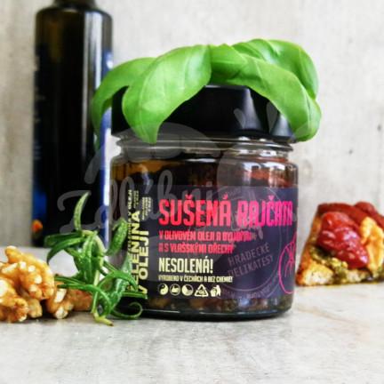 Sušená rajčata v olivovém oleji s vlašskými ořechy