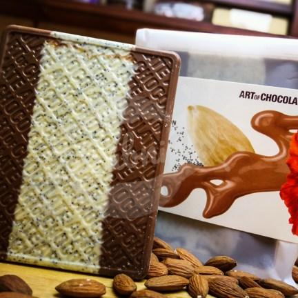 Čokoládová tabule s jemnou mandlovou příchutí