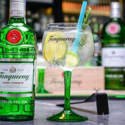 Originální sklenice na gin Tanqueray